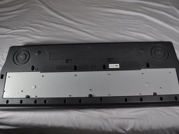 Removing Casio CTK-501 Bottom Panel