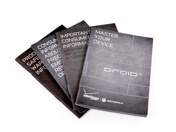 Motorola seems to have gifted us with some literature. Looking for a good read this afternoon? The Droid 4 comes with four different manuals!