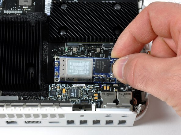Mac mini Model A1283 AirPort/Bluetooth Combo Card Replacement