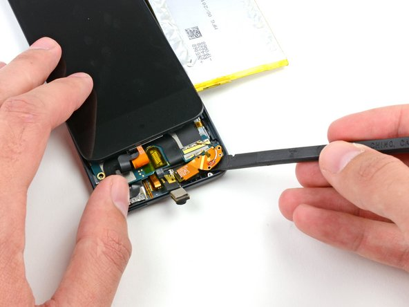 Flip the screen back over onto the rest of the iPod to expose the edge of the antenna.