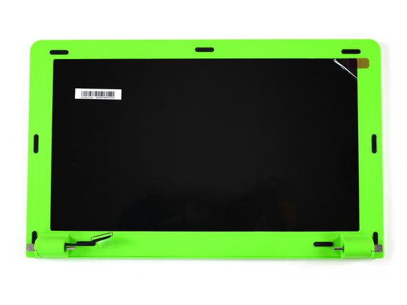 """The 13,3"""" HD Screen is surrounded by a green plastic frame. We can remove it by pulling off the rubber spacers which protect the display from getting scratched by the raspy keyboard when the pi-top is closed."""
