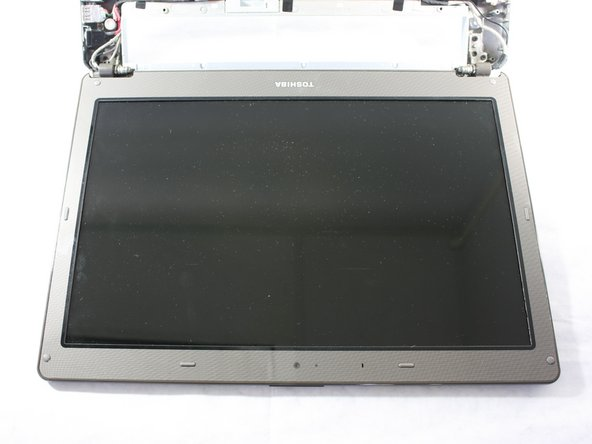 Toshiba Satellite E105-S1602 Display Replacement