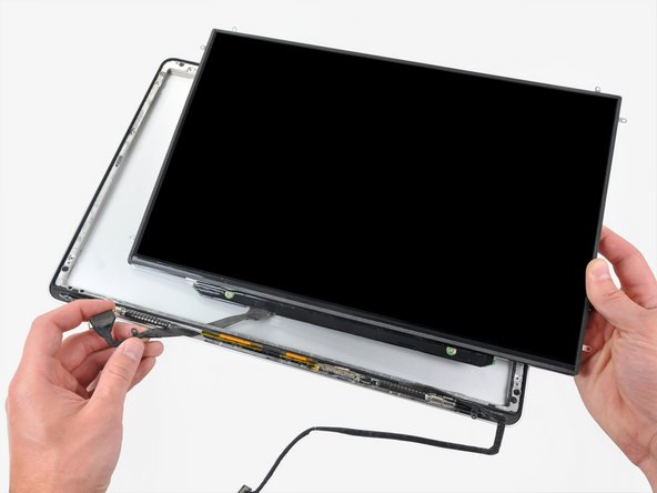 "MacBook Pro 15"" Unibody Mid 2009 LCD Replacement"