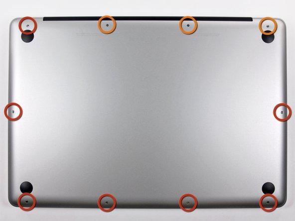 Remueve los siguientes diez tornillos que sujetan la caja inferior de la caja a la caja superior: