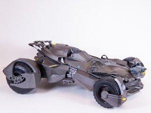 Justice League Ultimate Batmobile Repair