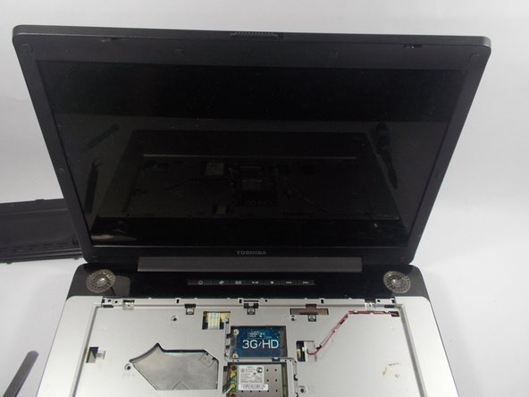Toshiba Satellite A215 S4697 Screen Replacement