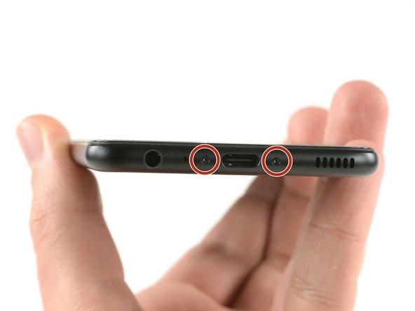 Spegni il tuo telefono prima di eseguire qualsiasi operazione.