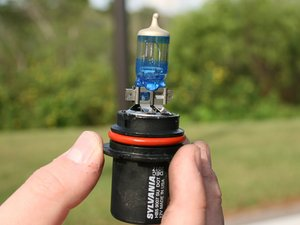 1999-2004 Nissan Xterra  Headlight Bulbs Replacement