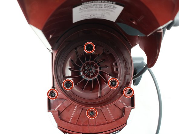 Use the T20 screwdriver to remove the six 12 mm screws by turning counter clockwise.