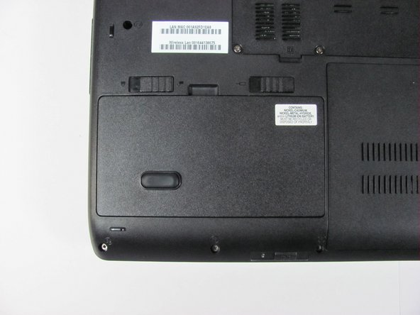 Make sure the battery lock switch is switched to the unlocked position.