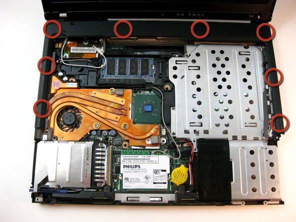 Démonter les bords en plastique de l'IBM ThinkPad T42