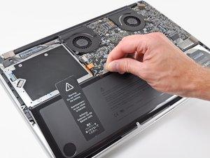 """MacBook Pro 17"""" Unibody Akku tauschen"""