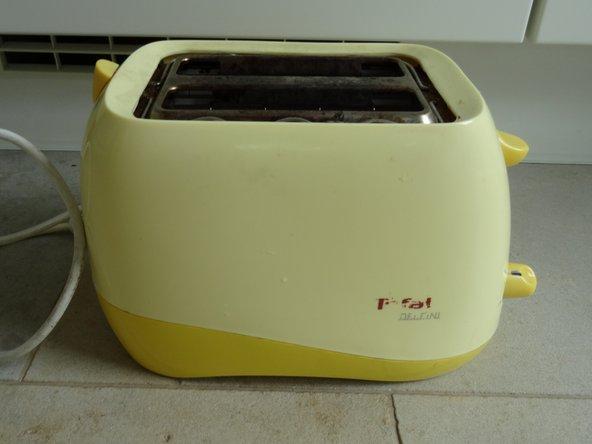 Die Reparatur erfolgt an einem alten Tefal Modell 539627, ist aber bei vielen Toastern gleichartig.