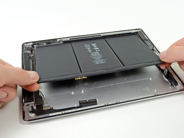 Make sure that all the adhesive glue has been loosed from the battery.