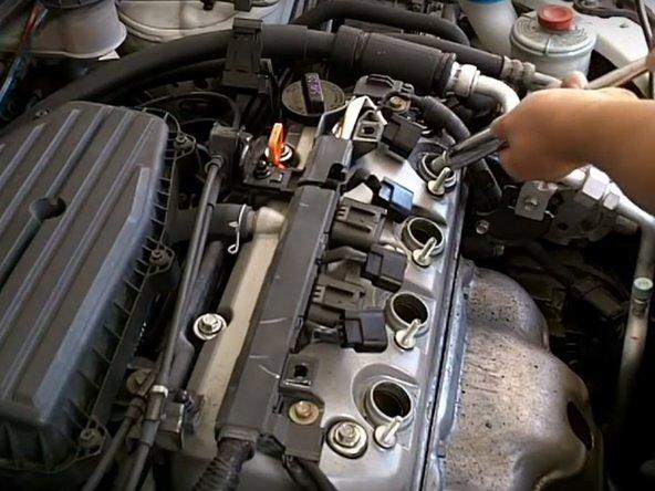 2001-2005 Honda Civic Spark Plug Replacement
