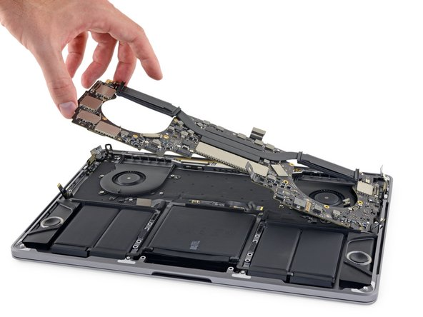 """Reemplazo del ensamblaje de la placa lógica del MacBook Pro 13"""" Touch Bar de finales de 2016"""