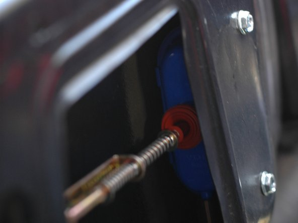 Mercedes W123 Trunk Lock Vacuum Actuator Replacement