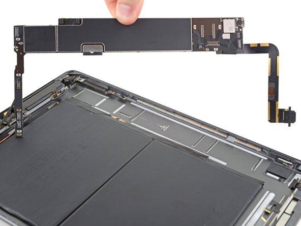 iPad 7 Logic Board Replacement