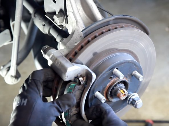 2009-2015 Toyota Prius Front Brake Pad and Rotor Replacement