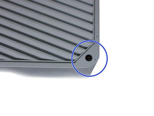 Buka sekrup Panel Akses Lampu Proyektor.