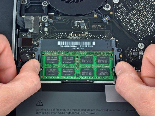"MacBook Pro 15"" Unibody 2.53 GHz Mid 2009 RAM Replacement"