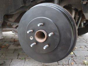 Drum Brakes and Wheel Cylinder