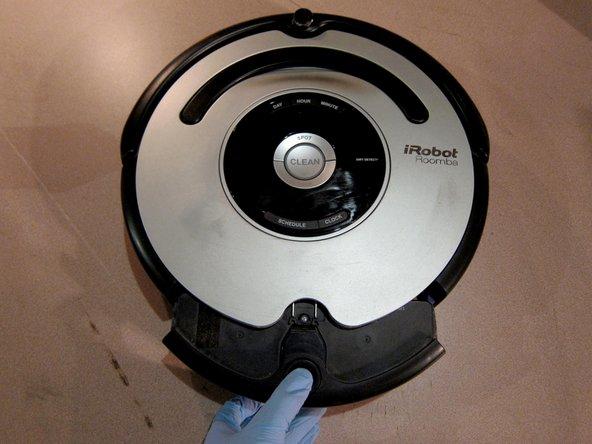 Comment démonter et nettoyer votre Roomba 560