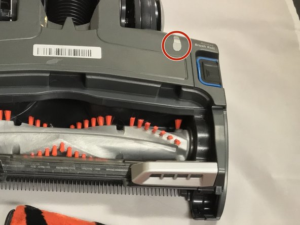Move to the side of the casing with the shoe print mark. Use the T20 screwdriver to unscrew the 18mm screw.