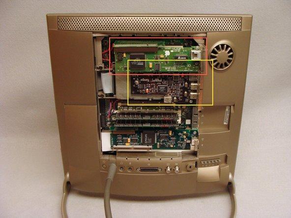 Quita cualquier tarjeta ComSlot II o PCI que puedas tener instalada y sus plataformas.