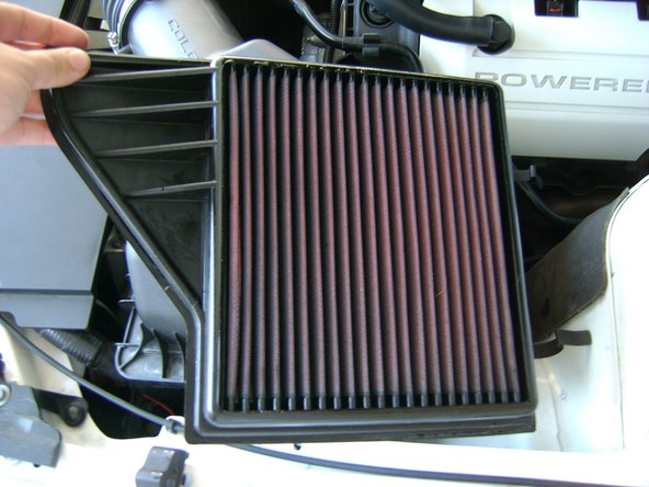 2010-2014 Ford Mustang Air Filter Replacement