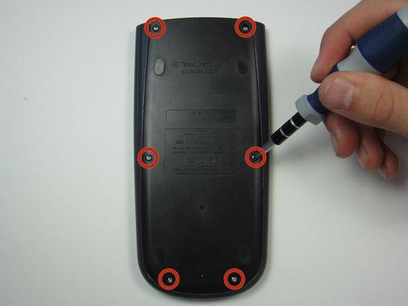 Utilizzando un cacciavite Phillips #1, rimuovi le sei viti da 6 mm dal retro del case e metterle da parte.