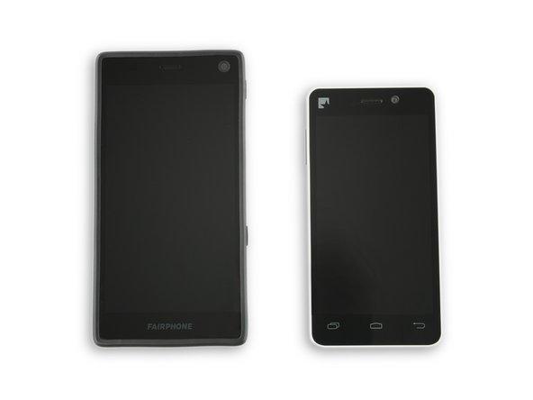 Con le sue misure di 143 × 73 × 11 mm, il Fairphone 2 è senz'altro di una misura buona in più rispetto alla prima generazione.