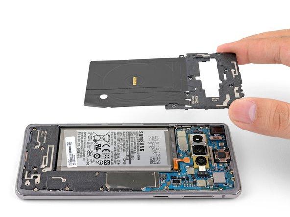 Rimozione telaio intermedio superiore Samsung Galaxy S10