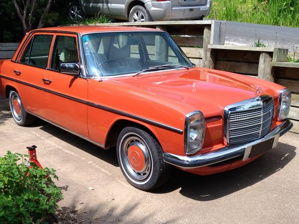 1976 Mercedes-Benz 230.6  Oil and filter