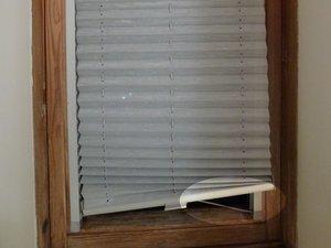 Velux shade for skylight: Repair worn out string deflection (Velux-Rollo für Dachfenster: abgenützte Schnur-Umlenkung reparieren
