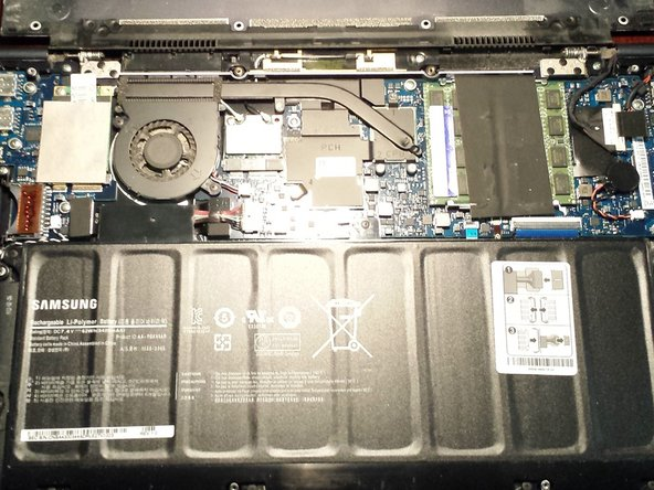 Samsung Series 9 Laptop (NP900X4C) Battery Replacement