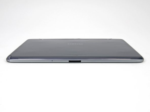 The bottom edge of the Galaxy Note 10.1 features only the proprietary 30-pin dock connector and microphone.