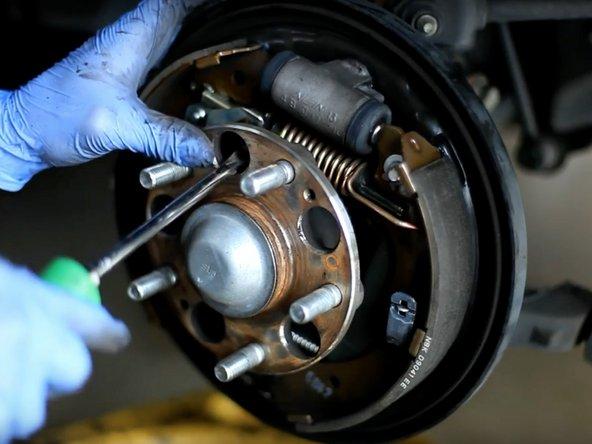 2003-2007 Honda Accord Adjust and Clean Brake Drums