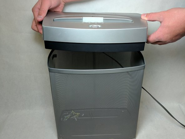 Check to make sure the shredder is not plugged in to any electrical outlet.