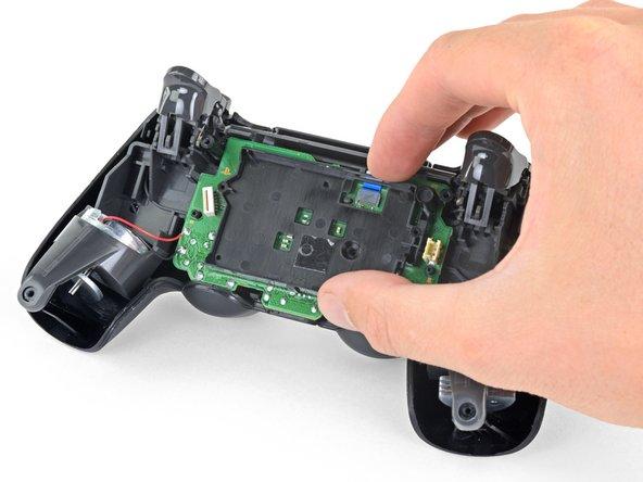 Remove the battery bracket.