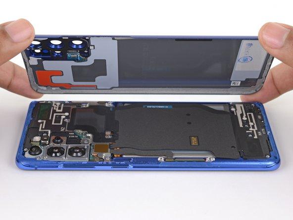 Rimozione cover posteriore del Samsung Galaxy S20+