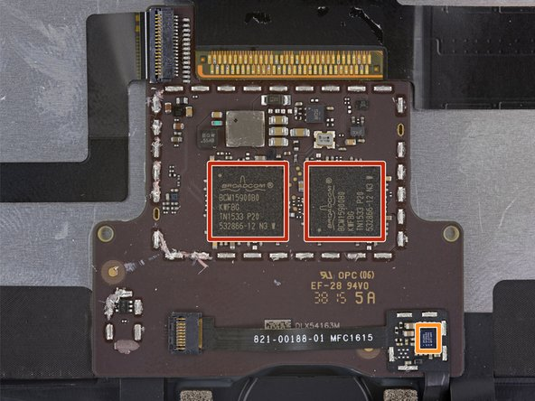 On the back of the display, we find some juicy silicon!