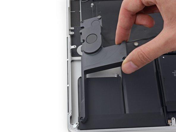 "MacBook Pro 15"" Retina Display Mid 2015の右側スピーカーの交換"