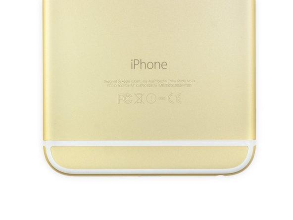 Proprio come l'iPhone 5s, l'iPhone 6 Plus è disponibile in tre diversi colori: Argento, Oro e Grigio Space. Naturalmente abbiamo scelto l'Oro.