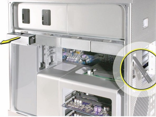 Make sure the latch on the back panel is up, so that the drives and carriers are unlocked.