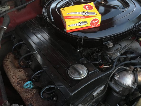 Spark Plugs Replacement on a Mercedes W123