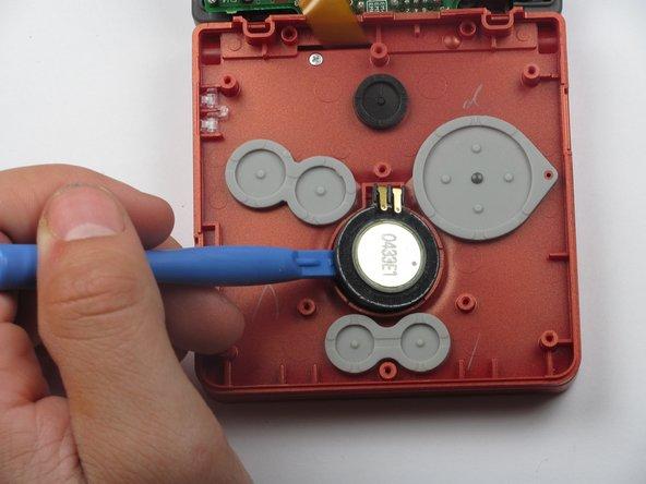 Remplacement du haut-parleur d'une Game Boy Advance SP