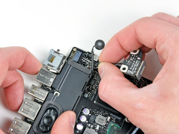 "MacBook Pro 13"" Unibody Late 2011 MagSafe DC-In Board Replacement"
