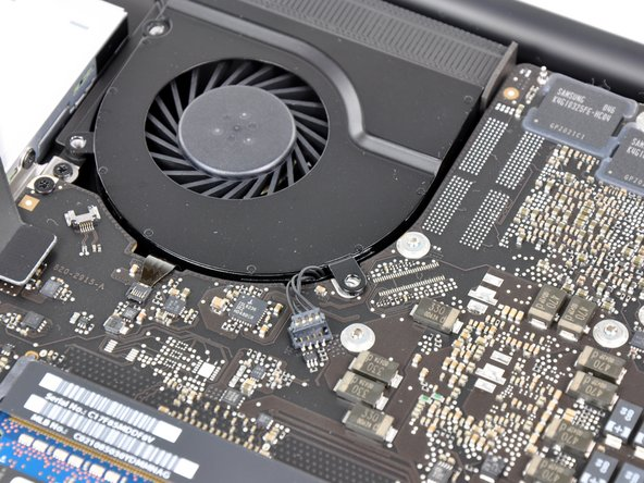 """Like most 15"""" Unibody laptops, there are two fans. To make sure things stay cool, there's a plethora of temperature sensors scattered throughout the machine, including near the trackpad, in the battery, and on the logic board."""