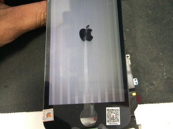 Comment corriger les lignes verticales sur l'écran d'un iPhone après son  remplacement